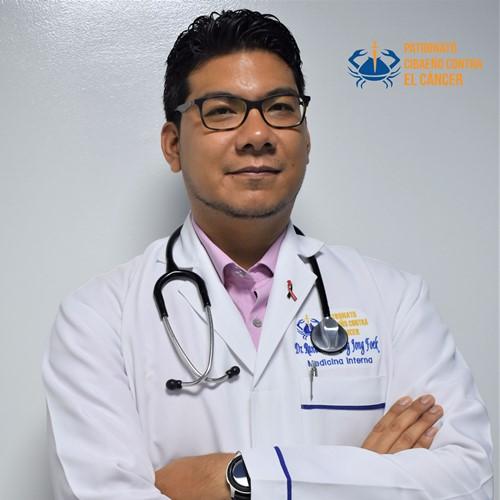 Dr. Randall Kong-Medico Internista (1).jpg