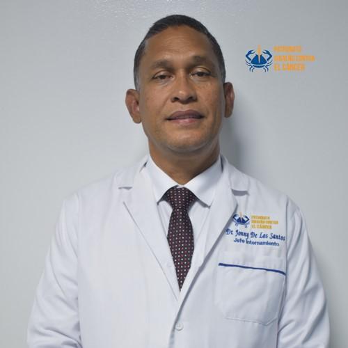 Dr. Jonny De Los Santos- Medico Internista.jpg